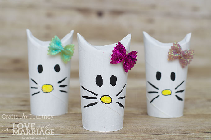 Simple Hello Kitty Craft Using Toilet Paper Rolls: Great for a Hello Kitty birthday party