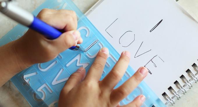 Tips & Tricks for Raising Left-handed Children